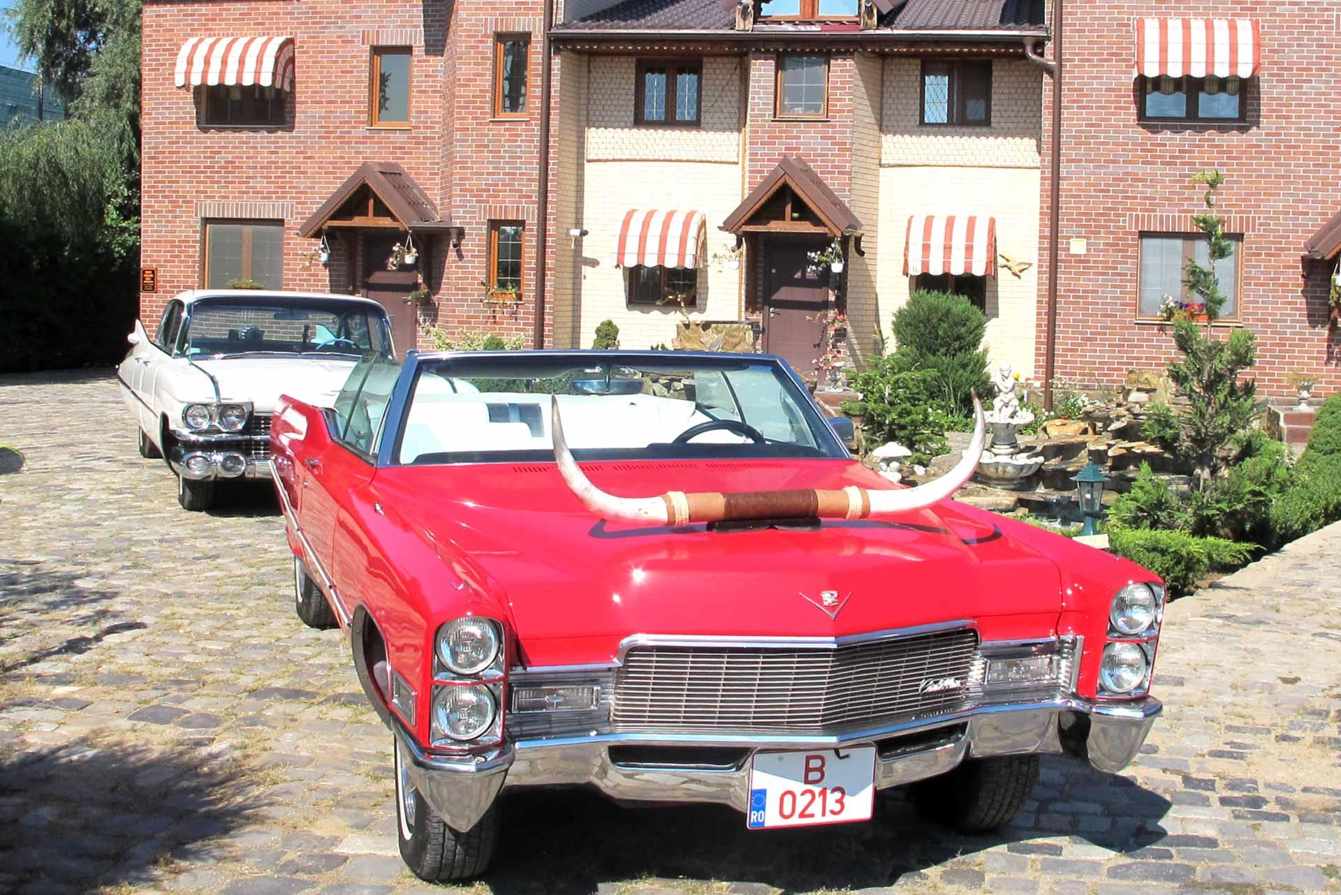 Mașină de epocă Cadillac DeVille, 1968