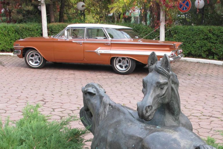 Mașină de epocă Chevrolet Impala, 1960