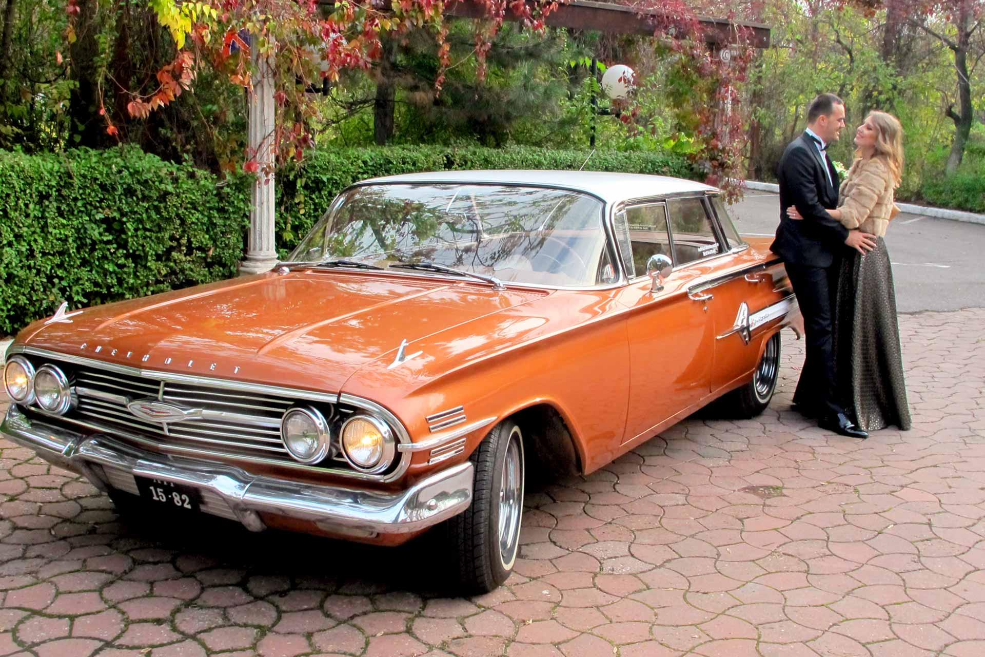 Masina de epoca Chevrolet Impala de inchiriat pentru nunti